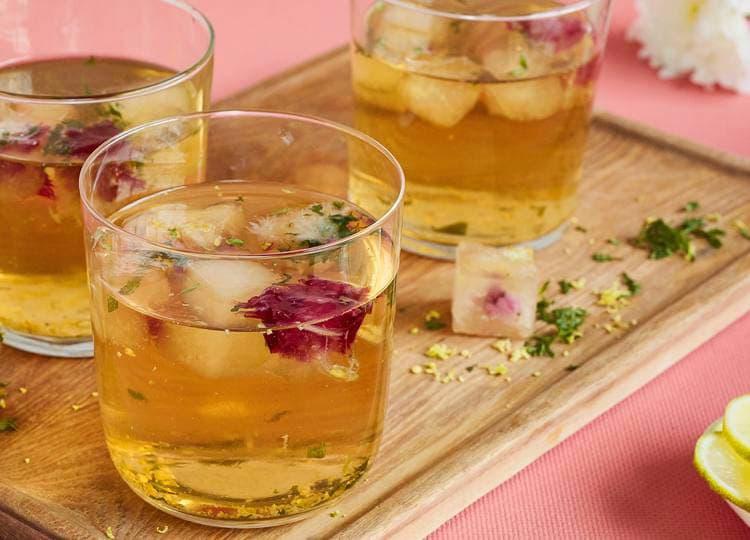 Lipton - Thé froid avec des glaçons pomme-menthe